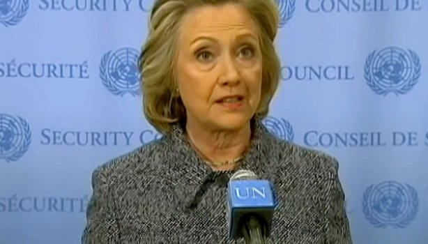 2015_03_10_Hillary_Clinton_by_Voice_of_America_(cropped_to_collar) (1)